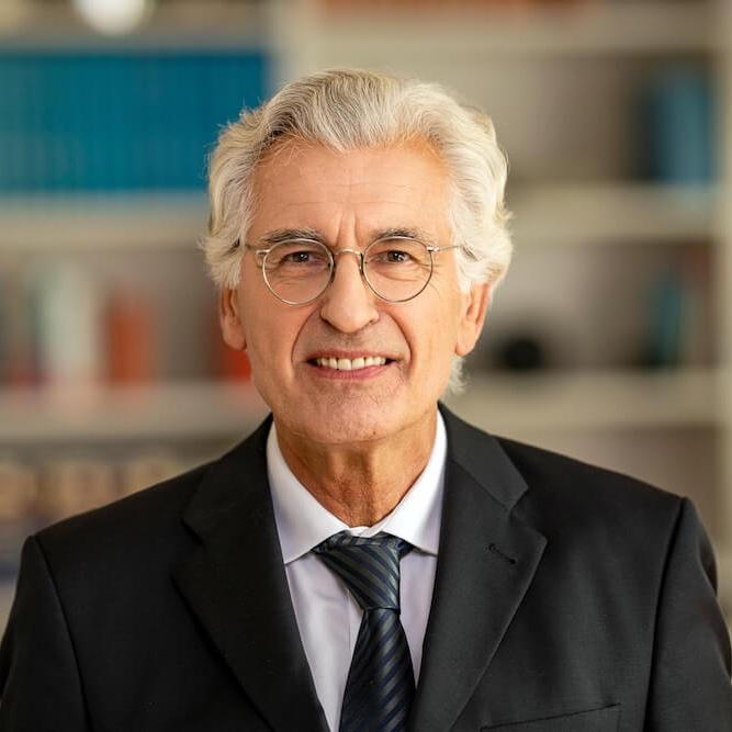 Dr. Wolfgang Makowski
